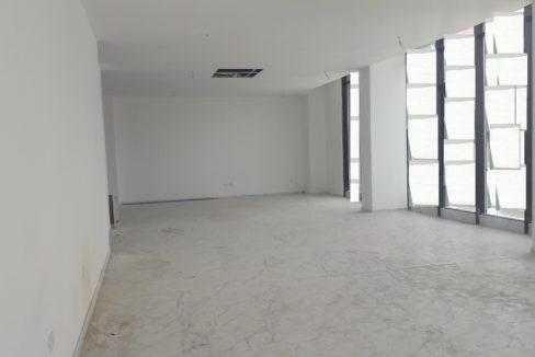 Zyre me qera ne Tirane (2)