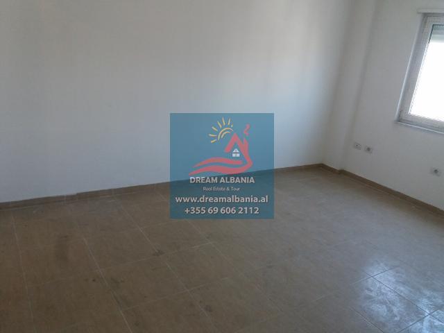 Zyre me Qera ne Tirane (11) (640x480)