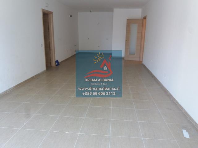 Zyre me Qera ne Tirane (3) (640x480)