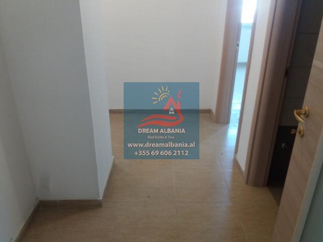Zyre me Qera ne Tirane (4) (640x480)