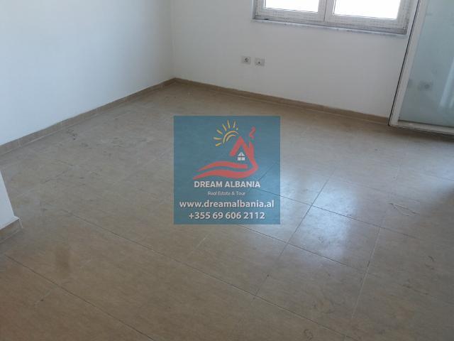 Zyre me Qera ne Tirane (6) (640x480)