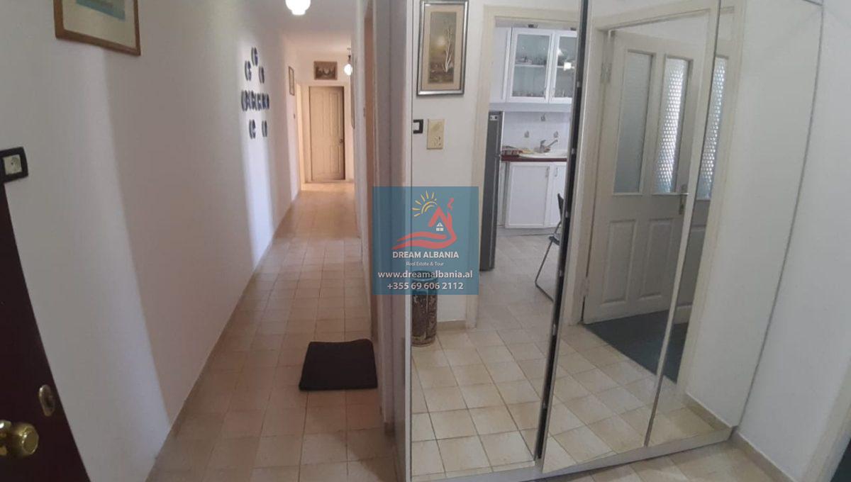 Shtepi apartament me qera 3+1 laprake (2)