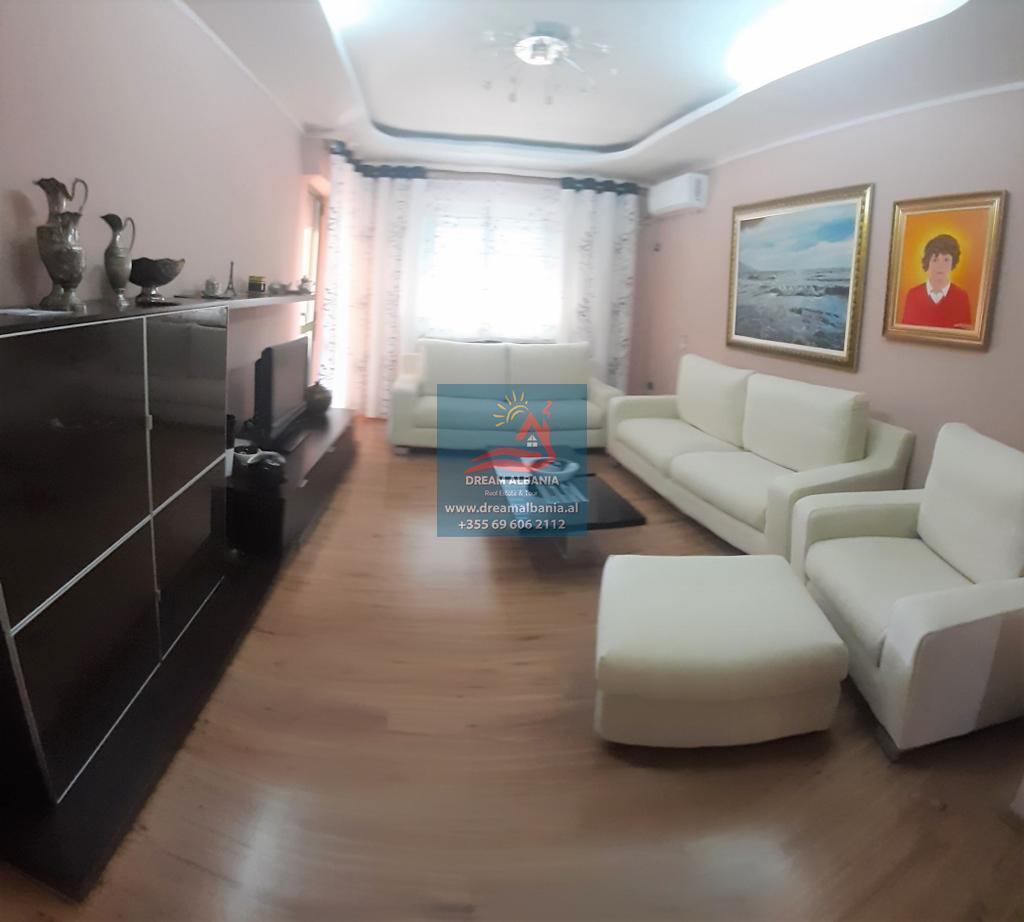 3 Bedroom Rentals Near Me: 3 Bedroom Apartments For Sale In Zogu I Zi Area Near Logos