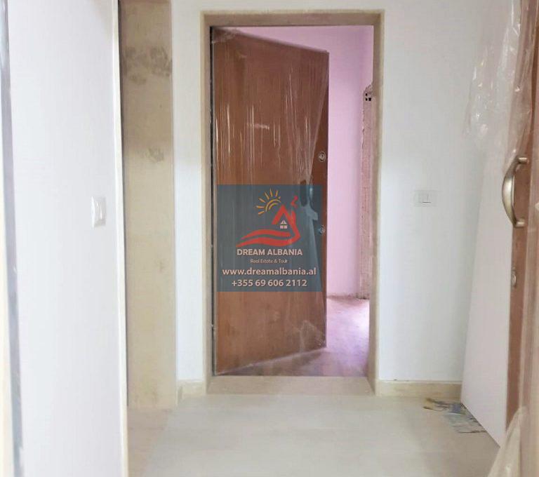 Zyre me qera ne Tirane (9)