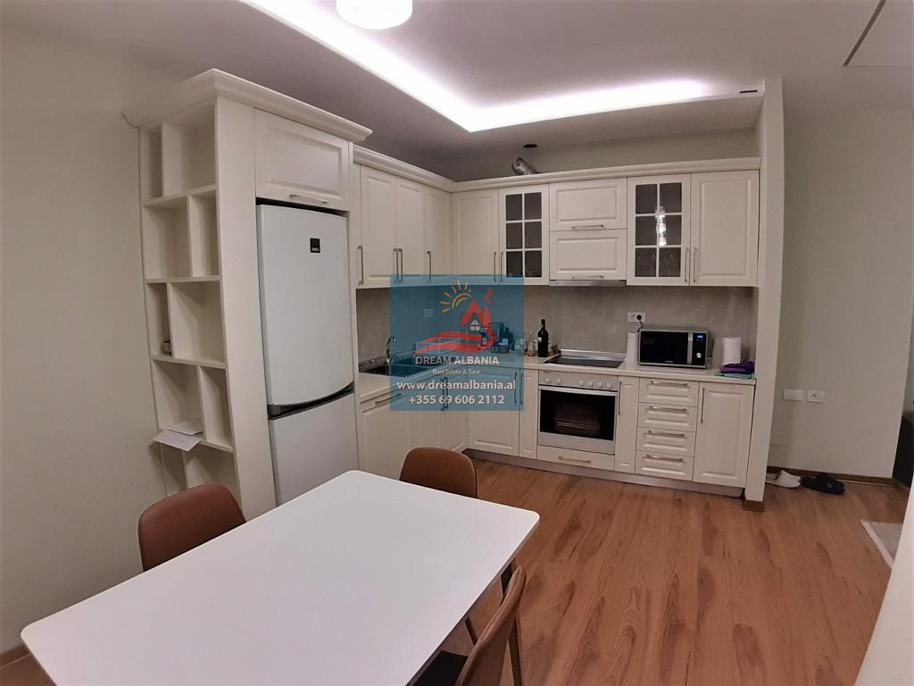 Apartament 1+1 me qera ne rrugen Karl Gega prane Stacionit te Trenit ne Tirane (ID 4211425 )