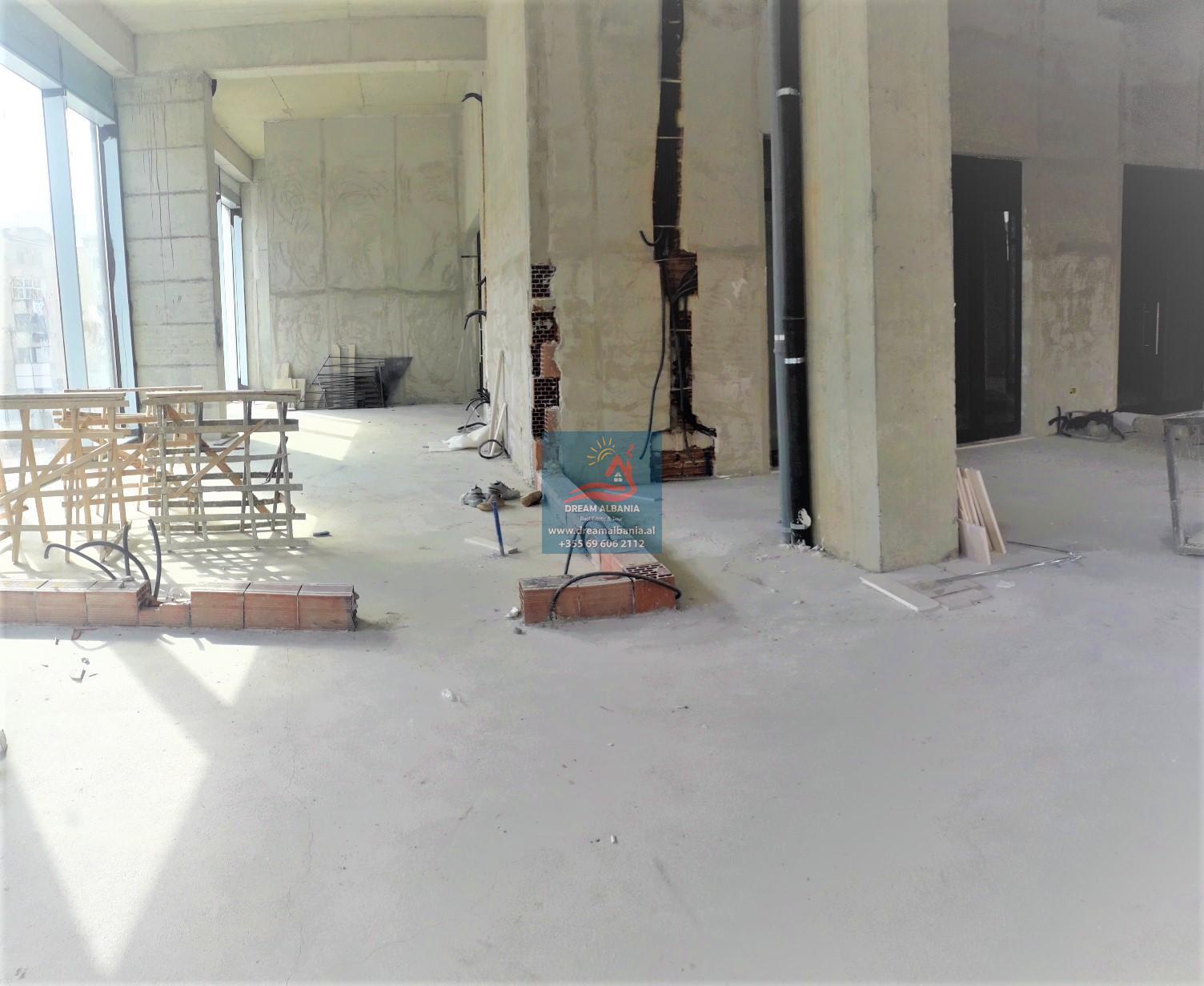 Tiran'da Barricade Caddesi, Old Mill yakınında Merkezde Kiralık Ofis (ID 4261349)…
