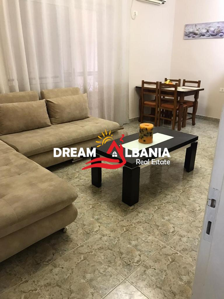 Apartamente 1+1 me qera ne zonen prane Pazarit te Ri ne Tirane (ID 4211459)