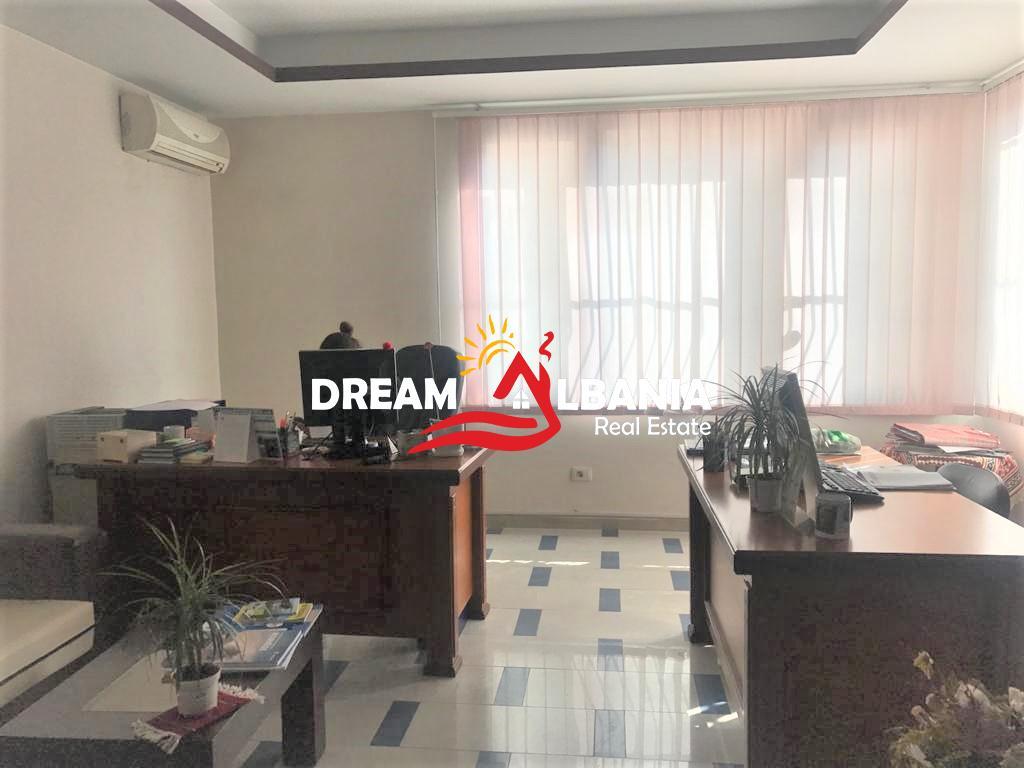 Сдается офис в районе улицы Эльбасан возле 7 Xhuxhave в Тиране (ID 4261374)
