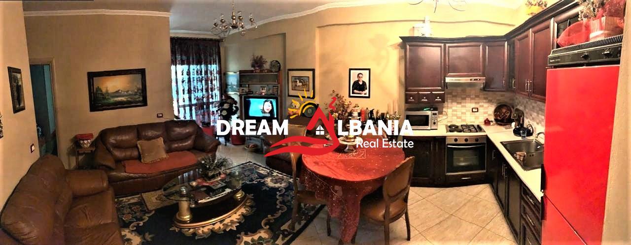 Apartamente 2+1 ne shitje Komuna e Parisit prane Nenkalimit ne Tirane (ID 4121367)