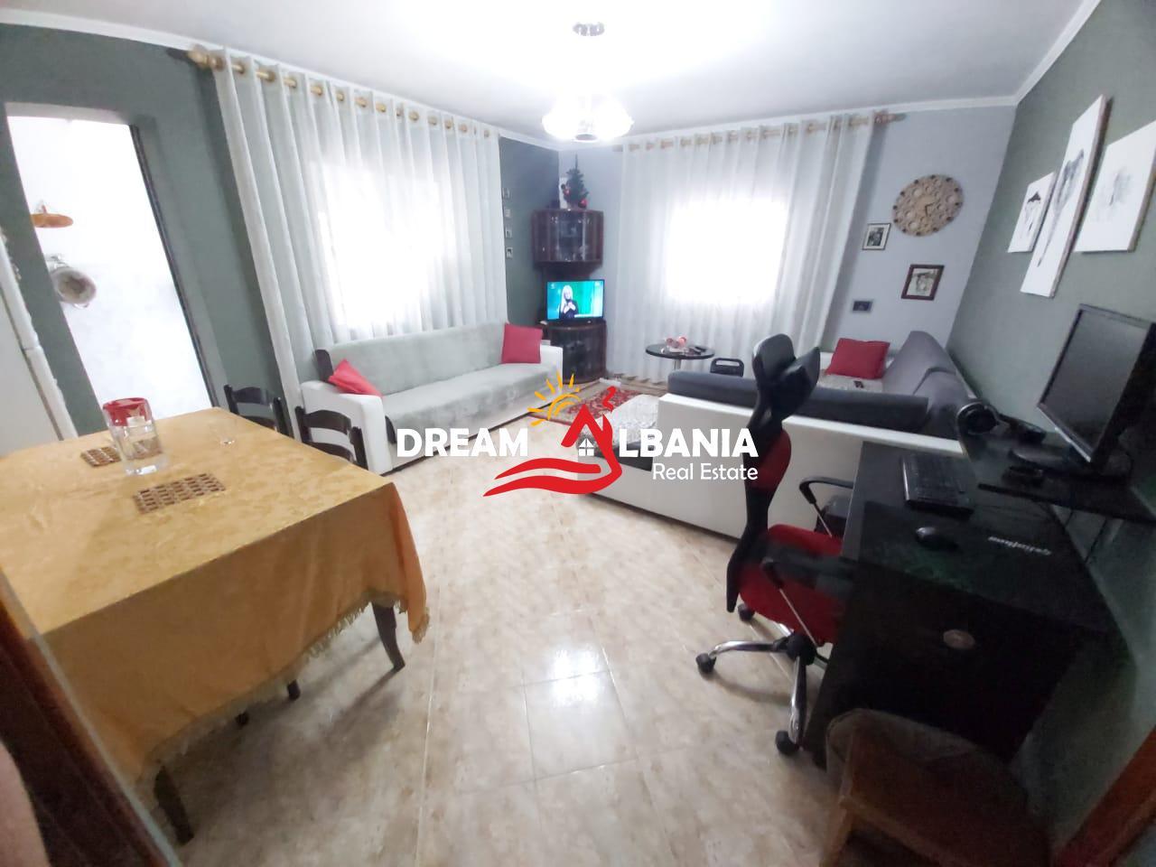 Apartamente 1+1 ne shitje ne zonen e Selvise prane gjimnazit Partizani ne Tirane (ID 4119084 )